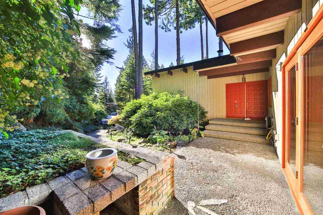 170 HIGHVIEW PLACE - Lions Bay House/Single Family for sale, 3 Bedrooms (R2046920) #1